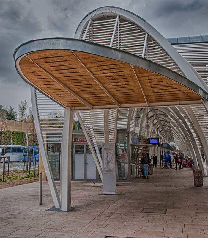 BusStationFrancePublicMRL10