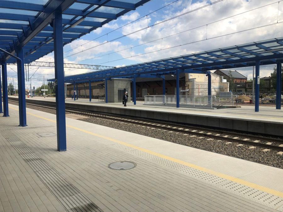 TrainStationLesznoPolandPublicMRL