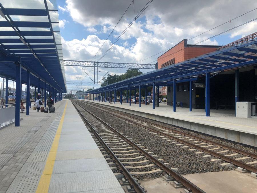 TrainStationLesznoPolandPublicMRL07